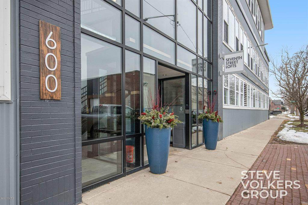 600 7th Street Nw - Photo 1