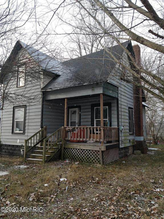 124 Middle Street, Three Rivers, MI 49093 (#65020050793) :: Robert E Smith Realty