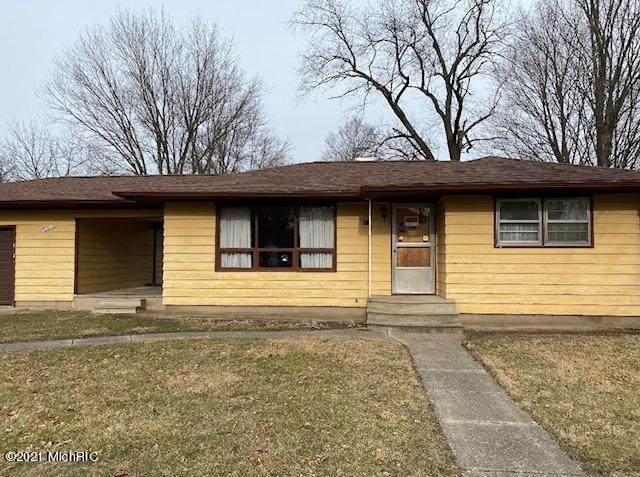 83 E Clarke Ave, COLDWATER CITY, MI 49036 (#62020051938) :: Robert E Smith Realty