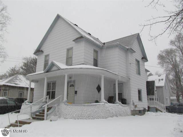 202 Wright Street, Cadillac, MI 49601 (#72021000147) :: Robert E Smith Realty