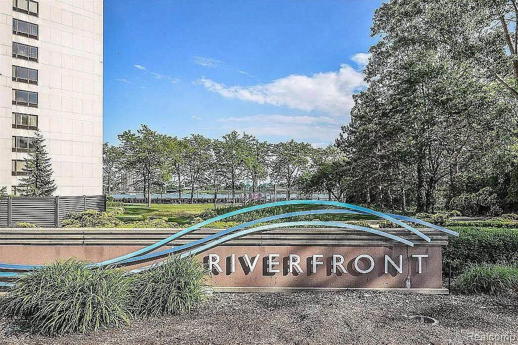 300 Riverfront Drive - Photo 1