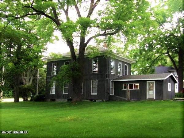 8449 Mill Street, Onekama Vlg, MI 49675 (#67021000786) :: The Alex Nugent Team | Real Estate One