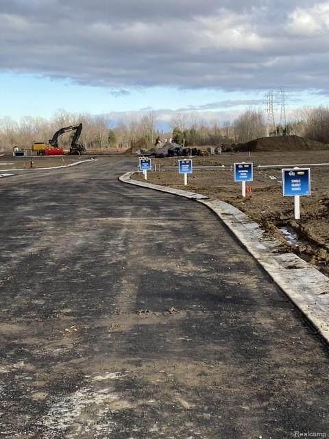 720 Range Road, Marysville, MI 48040 (#2210002382) :: Alan Brown Group