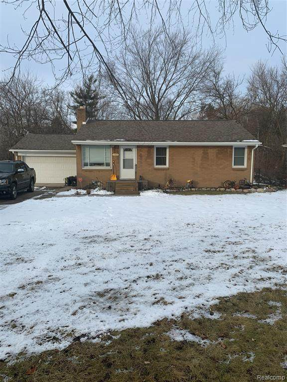 1163 E. Hill Rd, Grand Blanc Twp, MI 48439 (#2210003070) :: The Merrie Johnson Team