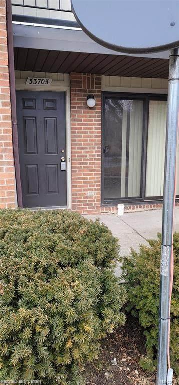33705 Pondview Circle #156, Livonia, MI 48152 (#2210003834) :: The Alex Nugent Team | Real Estate One