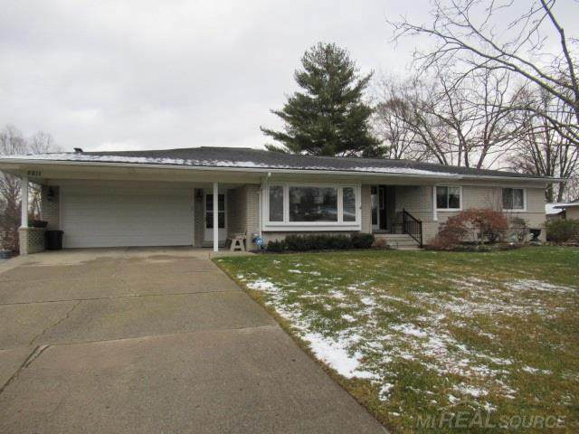 5211 Lorin Dr, Shelby Twp, MI 48316 (#58050032452) :: The BK Agency