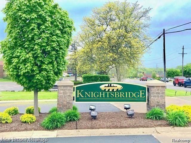 4342 Knightsbridge Lane, West Bloomfield Twp, MI 48323 (#2210004153) :: The BK Agency