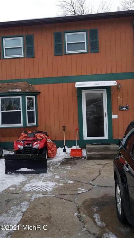 553 Lake Shore Boulevard, Norton Shores, MI 49444 (#71021003056) :: GK Real Estate Team