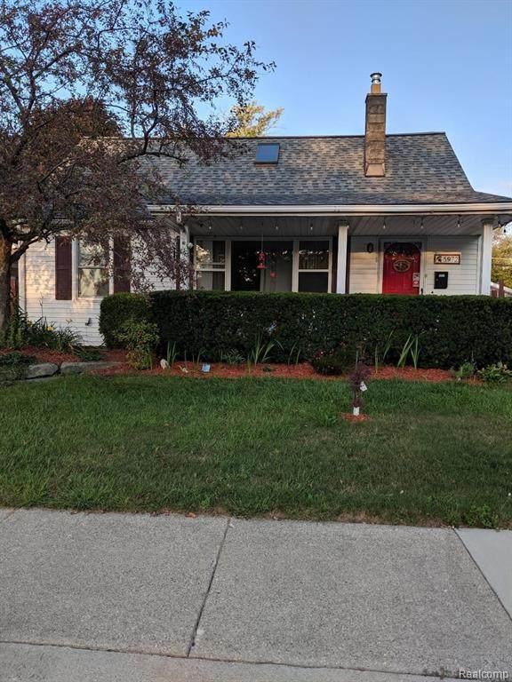 5972 N Beech Daly Road, Dearborn Heights, MI 48127 (#2210006948) :: BestMichiganHouses.com