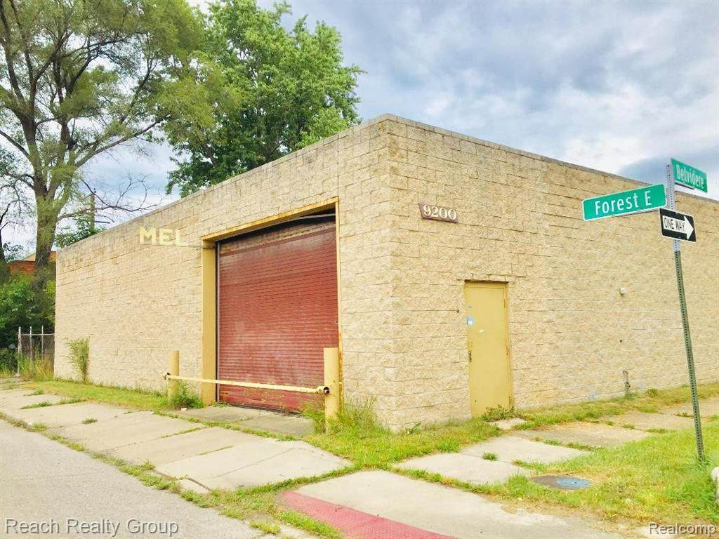 9200 East Forest Avenue - Photo 1