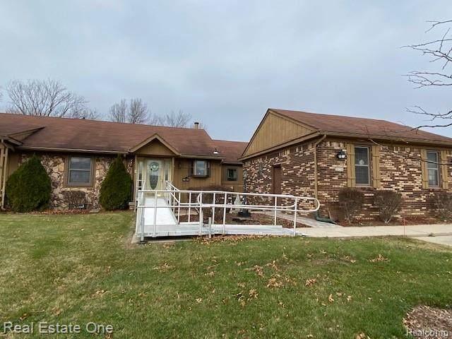 11865 Shenandoah Drive #3, Green Oak Twp, MI 48178 (#2210007841) :: The Merrie Johnson Team