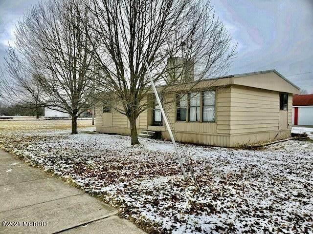 400 S Kalamazoo Street, White Pigeon Vlg, MI 49099 (#68021004115) :: Robert E Smith Realty
