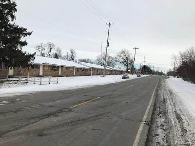 3807-17 Lippincott, Flint, MI 48507 (#2210009100) :: The Alex Nugent Team | Real Estate One