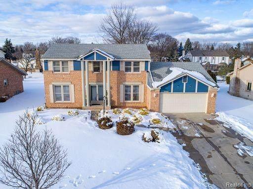 22264 Meridian Lane, Novi, MI 48375 (#2210009618) :: Duneske Real Estate Advisors