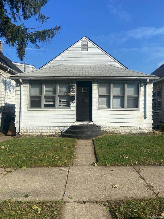 515 E George Avenue, Hazel Park, MI 48030 (MLS #2210009702) :: The John Wentworth Group