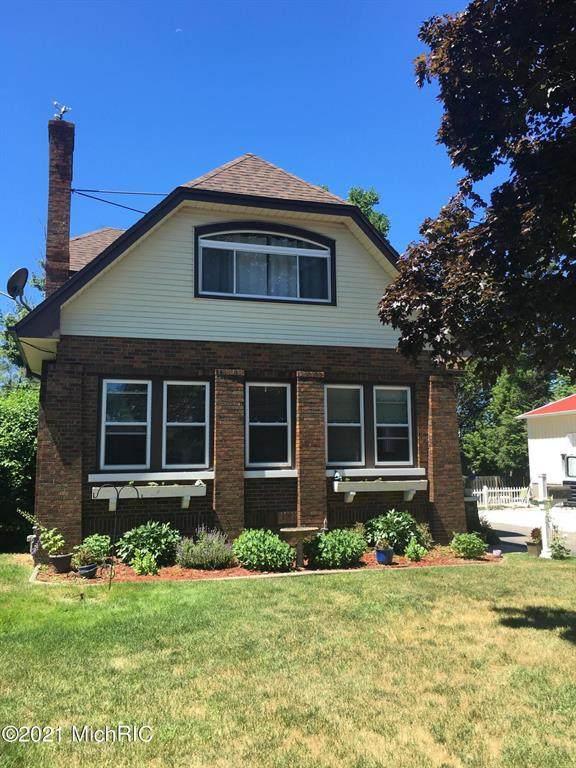 34 S Barker Street, New Buffalo, MI 49117 (#69021004482) :: The Mulvihill Group