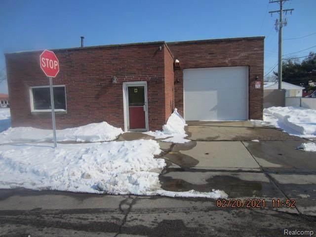 15049 Dix Toledo Road, Southgate, MI 48195 (#2210010567) :: BestMichiganHouses.com