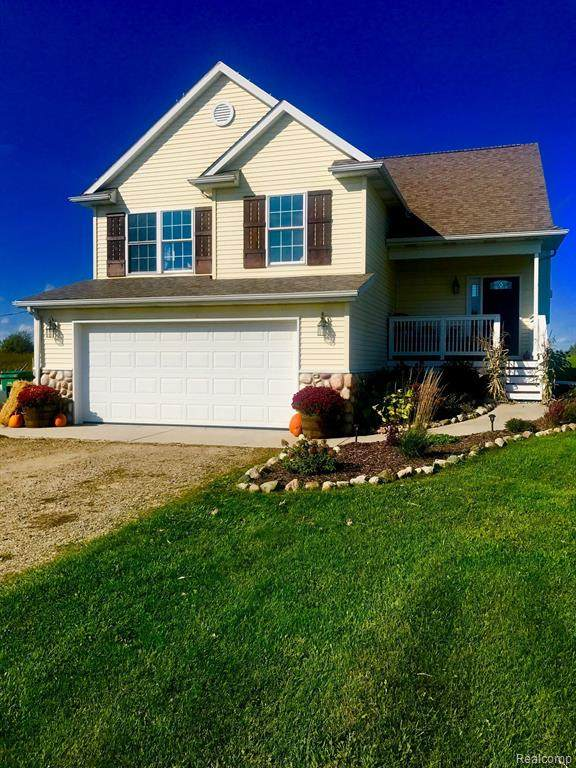 5475 Burnside Road E, North Branch Twp, MI 48461 (MLS #2210012258) :: The Toth Team
