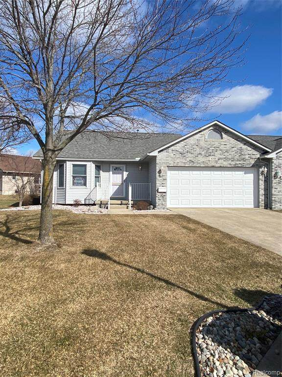 4266 Chapel Lane, Swartz Creek, MI 48473 (MLS #2210014241) :: The John Wentworth Group