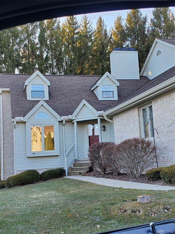 4438 Glen Eagles Court, Genoa Twp, MI 48116 (#2210014541) :: Duneske Real Estate Advisors