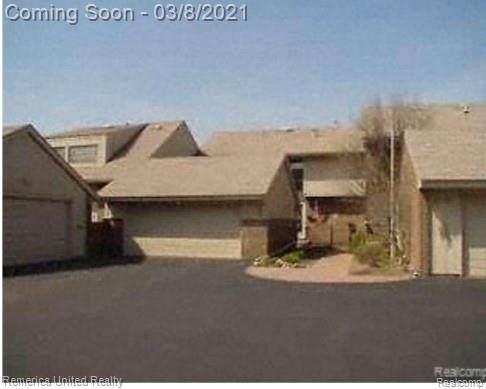 35459 Heritage Lane #19, Farmington, MI 48335 (#2210014656) :: Duneske Real Estate Advisors