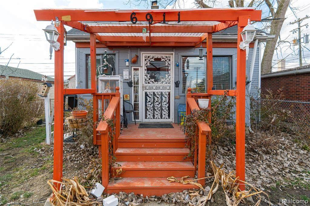 6911 Heyden Street - Photo 1