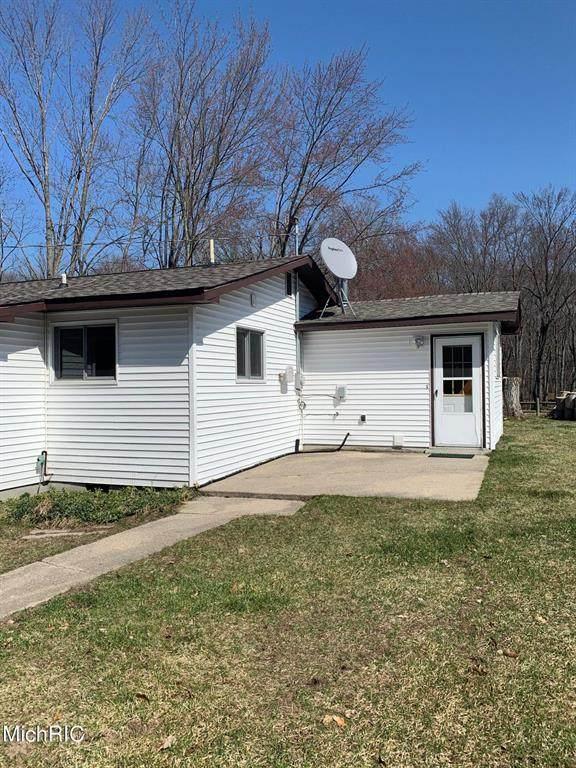 8680 Peninsula Street, Sylvan Twp, MI 49679 (#72021010017) :: Real Estate For A CAUSE