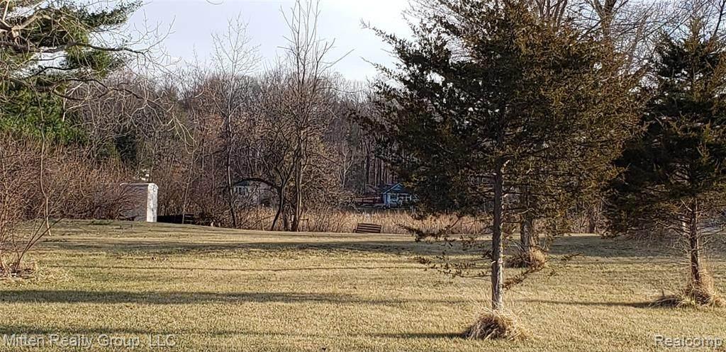 8411 Silver Lake Road - Photo 1