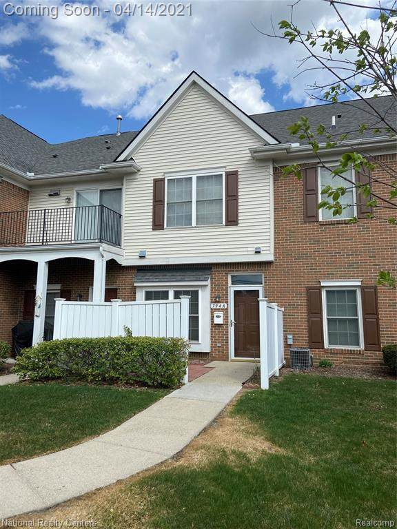 794 Amberly Dr Unit A, Waterford Twp, MI 48328 (#2210023936) :: GK Real Estate Team