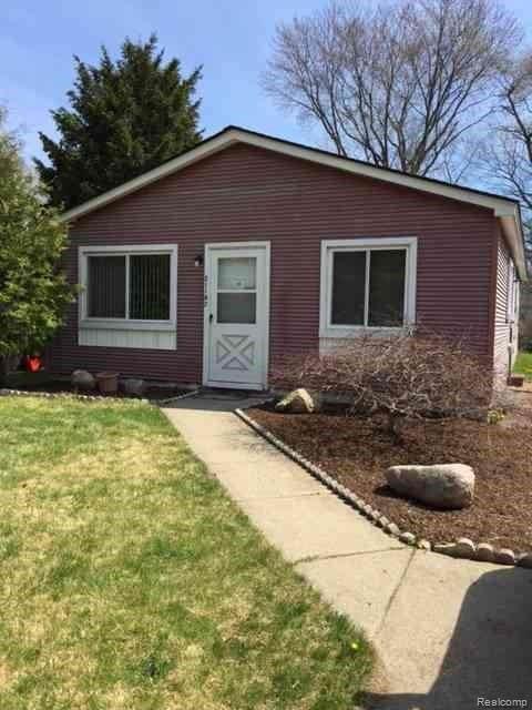 21182 Poinciana Street, Southfield, MI 48033 (#2210024498) :: Real Estate For A CAUSE