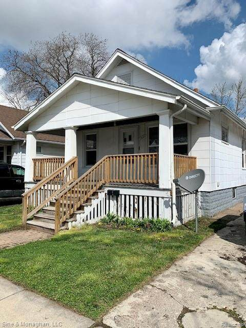 1621 Francis Street, Port Huron, MI 48060 (MLS #2210024876) :: The John Wentworth Group
