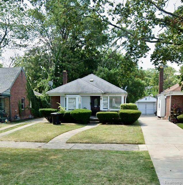 9585 Westwood Street, Detroit, MI 48228 (MLS #2210025104) :: The John Wentworth Group
