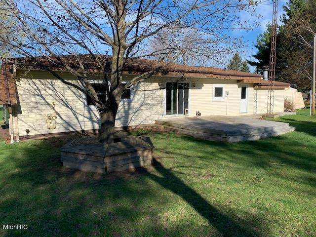 5890 N Oceana Drive, WEARE TWP, MI 49420 (#67021012553) :: Real Estate For A CAUSE