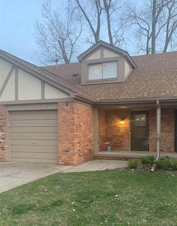 8510 Annsbury Unit C Unit C, Shelby Twp, MI 48316 (#58050039120) :: The Alex Nugent Team | Real Estate One