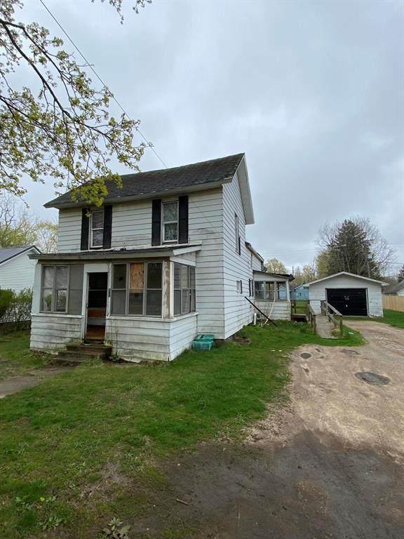 205 W Saint Joseph Street, Lawrence Vlg, MI 49064 (#66021012733) :: The Alex Nugent Team | Real Estate One