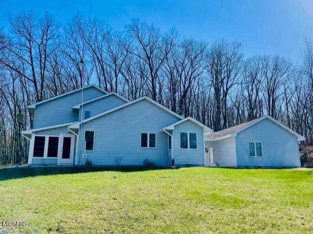 23543 15 Mile Road, Big Rapids Twp, MI 49307 (#72021012747) :: Real Estate For A CAUSE