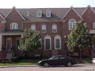 20055 Rodeo Court, Southfield, MI 48075 (#2210027256) :: Novak & Associates