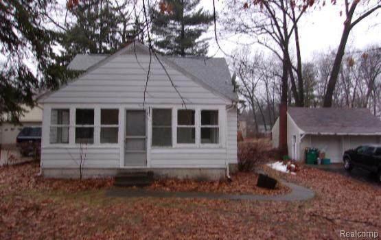 2391 Dexter Road, Auburn Hills, MI 48326 (#2210027821) :: Real Estate For A CAUSE