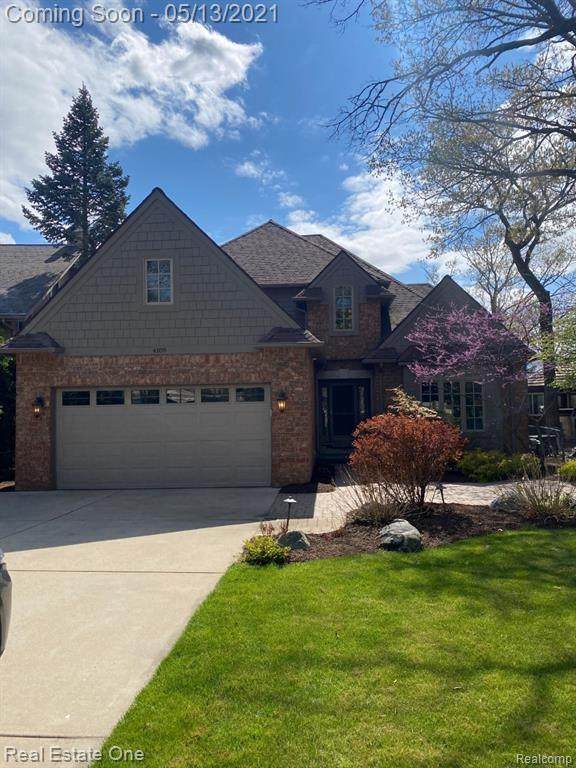 4109 Windiate Park Drive, Waterford Twp, MI 48329 (#2210028613) :: Real Estate For A CAUSE