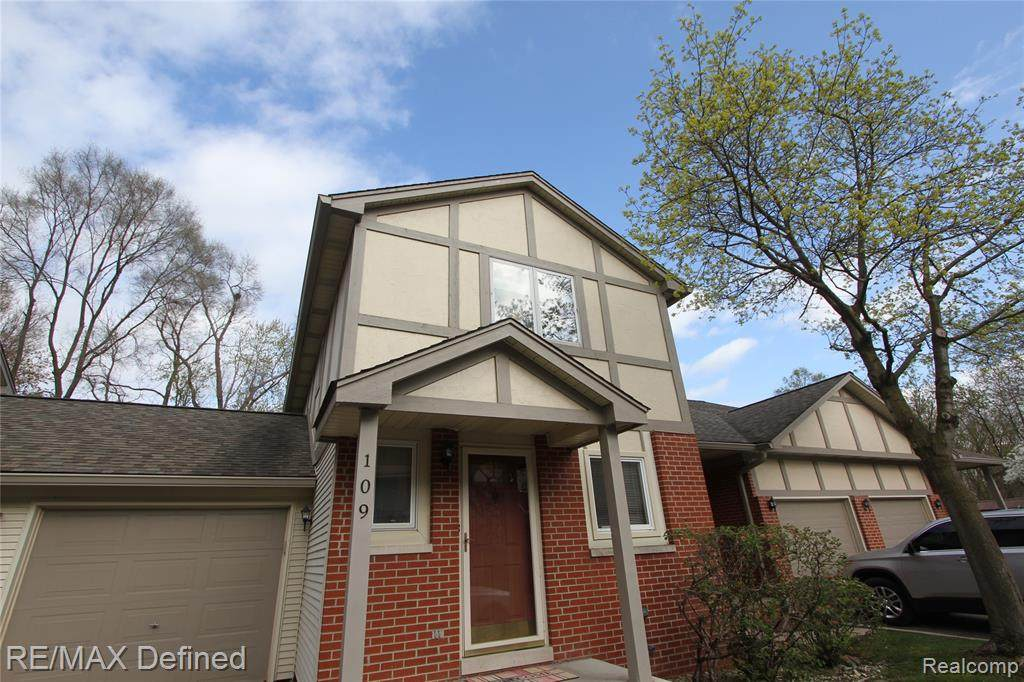 109 Walnut Boulevard - Photo 1