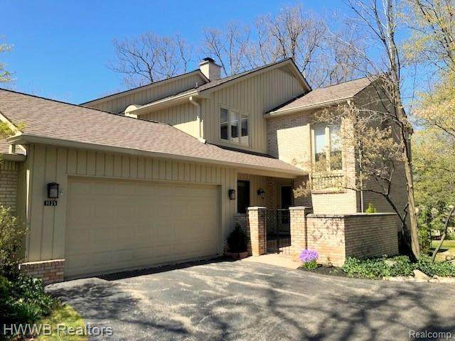 1135 Hillpointe Circle, Bloomfield Twp, MI 48304 (#2210029060) :: BestMichiganHouses.com