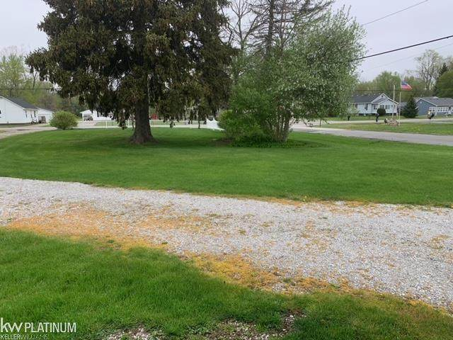 4915 Griswold, Kimball Twp, MI 48074 (#58050040795) :: Real Estate For A CAUSE