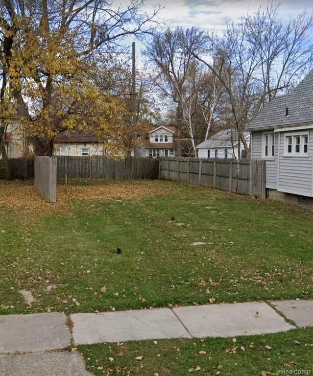 110 W George Avenue, Hazel Park, MI 48030 (#2210032350) :: RE/MAX Nexus