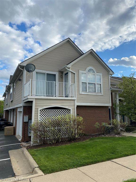 5837 Pine Aires Drive, Sterling Heights, MI 48314 (#2210032762) :: Real Estate For A CAUSE