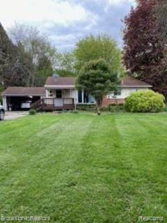1393 Autumn Drive, Flint Twp, MI 48532 (#2210033362) :: Real Estate For A CAUSE
