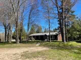 8860 225th Avenue, Lincoln Twp-Osceola, MI 49677 (#72021016719) :: Real Estate For A CAUSE