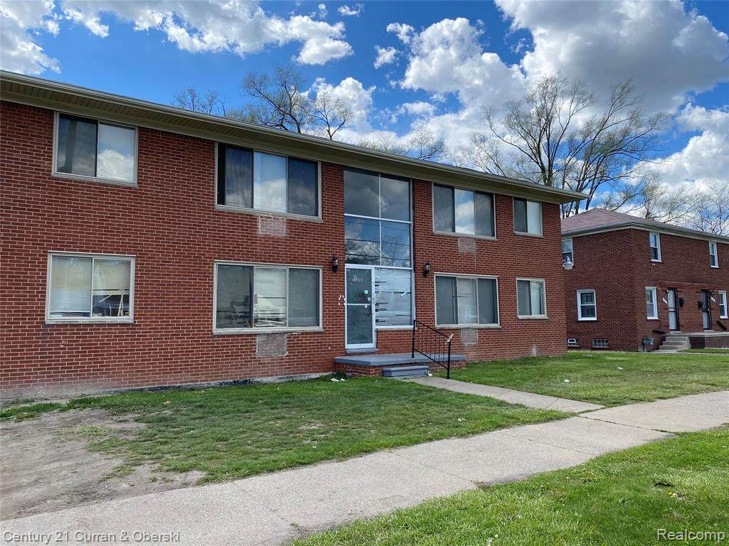 15811 Greenfield Road - Photo 1