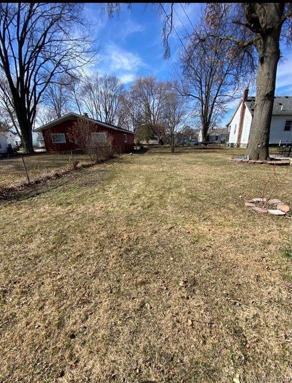 27396 Brettonwoods Street, Madison Heights, MI 48071 (#2210034871) :: Real Estate For A CAUSE