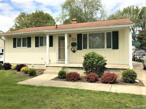3727 Holly Avenue N, Flint, MI 48506 (#2210035396) :: Alan Brown Group