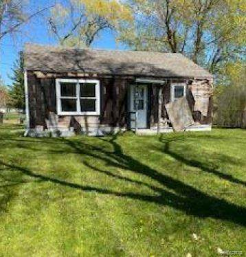 2687 Ohio Street, BRIDGEPORT TWP, MI 48601 (#2210035487) :: Alan Brown Group